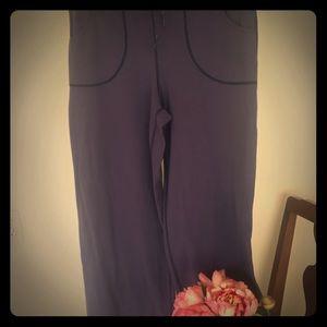 Lululemon lounge pant - size 8 purple
